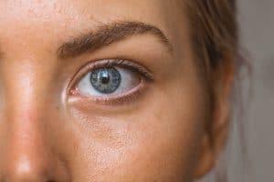 Cette méthode contre les boutons d'acné fait beaucoup de bruit chez les jeunes