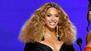 Beyoncé lance une nouvelle mode qui rappelle les années 70, vous allez l'adorer !